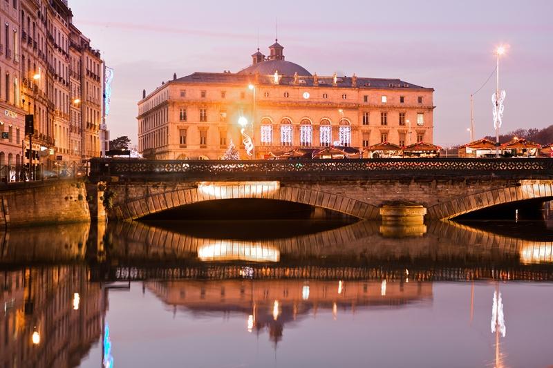 La petite histoire de l h tel de ville de bayonne blog bayonne bouge - Piscine haut de bayonne ...