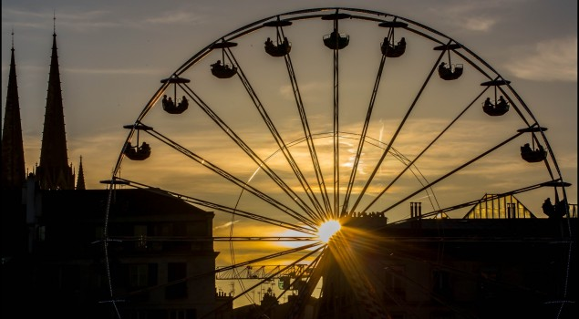 grande-roue-coucher-de-soleil