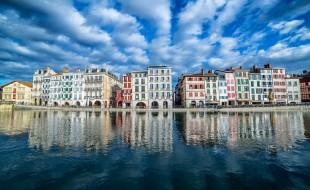 Bayonne quais de la Nive